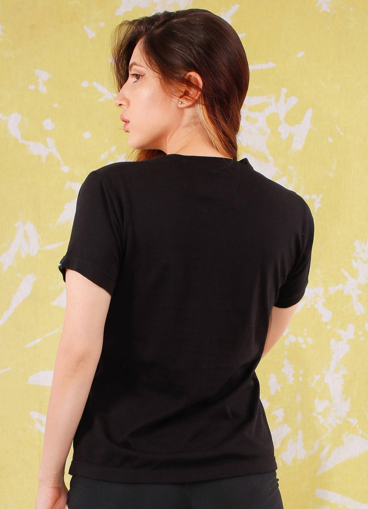 Camiseta de mujer básica Ovni Negra.