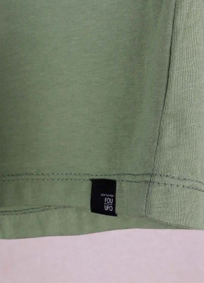 Camiseta de mujer básica Ovni Verde Pino.