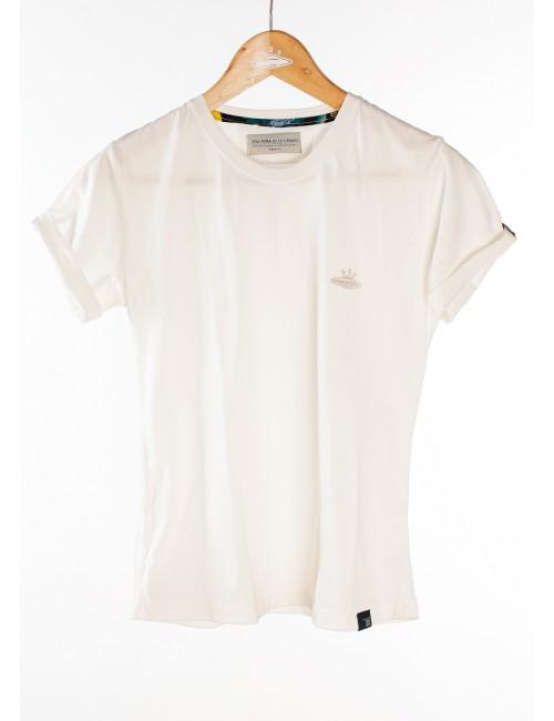 Camiseta básica Ovni cruda para mujer. Prenda hecha a mano en Medellín, Colombia.
