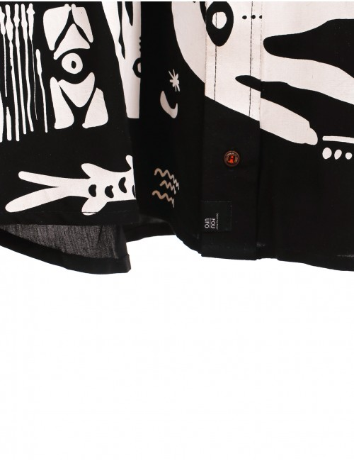 Camisa Cosmo para hombre. Prenda hecha a mano en Medellín, Colombia.